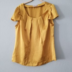 Violet & Claire yellow top large